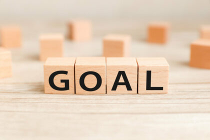 業務効率化を目指す際に重要な目標設定例_アイキャッチ
